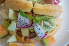 Waffle com frui da mistura Fotos de Stock Royalty Free