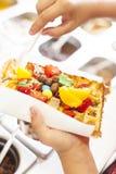 Waffle com fruto e doces. Imagens de Stock Royalty Free