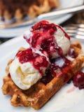 Waffle com gelado e cereja Foto de Stock Royalty Free