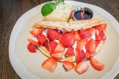 Waffle da morango Imagens de Stock Royalty Free