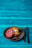 Waffle de Liege com creme e fruto Fotos de Stock Royalty Free