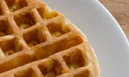 Waffle na placa branca Fotografia de Stock