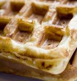 waffles бельгийца близкие личные поднимающие вверх стоковые фотографии rf