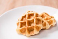 Waffles в шаре на деревянной таблице Стоковое Фото