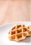 Waffles в шаре на деревянной таблице Стоковое фото RF