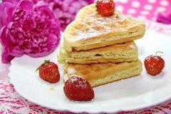 Waffles и ягоды Стоковые Изображения