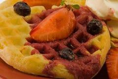 waffles клубники голубики Стоковые Изображения RF