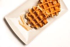 2 waffles на белой плите сервировки Стоковое Изображение