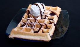 Waffles с сливк Стоковые Фото