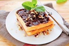 Waffles с соусом шоколада Стоковая Фотография RF