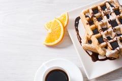 Waffles с шоколадом и апельсинами Стоковое Фото