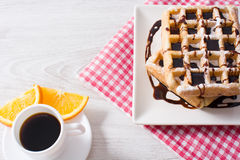 Waffles с шоколадом и апельсинами Стоковые Фото