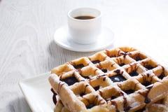 Waffles с шоколадом и кофе Стоковые Изображения