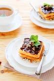 Waffles с шоколадом и чаем Стоковое фото RF