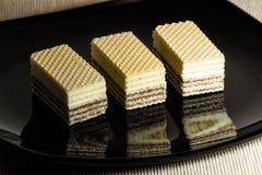 Waffles с шоколадом на черной лоснистой плите Стоковое Изображение