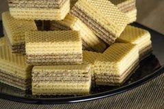 Waffles с шоколадом на черной лоснистой плите Стоковые Фото