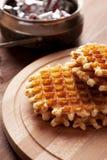 Waffles belgas na tabela de madeira Fotos de Stock Royalty Free
