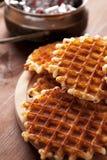 Waffles belgas na tabela de madeira Imagens de Stock