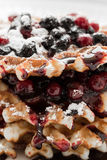 Waffles com doce e airela do mirtilo Foto de Stock Royalty Free