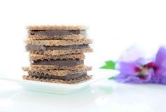 Waffles com enchimento da chocolate-porca Imagem de Stock
