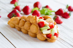Waffles com frutas Imagens de Stock Royalty Free