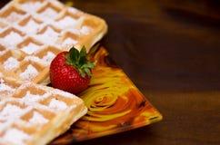 Waffles com morango Fotografia de Stock Royalty Free