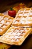 Waffles com morango Fotos de Stock Royalty Free
