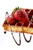 Waffles com morango e atolamento frescos Imagem de Stock