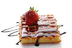 Waffles com morango e atolamento frescos Foto de Stock Royalty Free