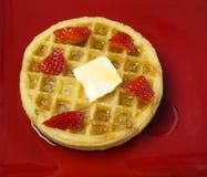 Waffles congelados com morangos Imagens de Stock Royalty Free