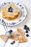 Waffles cozidos do coração Fotos de Stock Royalty Free