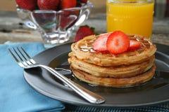 Waffles da morango Imagens de Stock