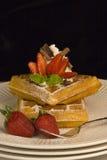 Waffles da morango foto de stock royalty free