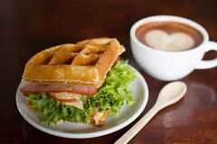 Waffles, enchimento do bacon Foto de Stock