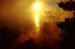 Waft van mist rond de zon Royalty-vrije Stock Foto