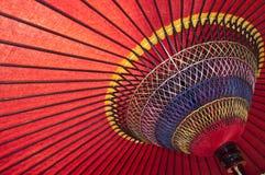 Wagasa, красный традиционный зонтик Стоковые Изображения