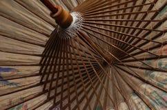 Wagasa - japansk slags solskydd av bambu och papper royaltyfri fotografi
