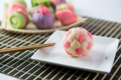 Wagashi traditionnel japonais de confiserie Images libres de droits