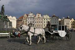 Wagen am alten Marktplatz von Prag Stockfoto