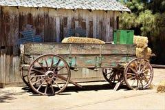 Wagen, antiquiteit in de woestijn in Koningin Creek, Arizona, Verenigde Staten royalty-vrije stock foto's