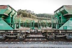 Wagen` s unie tussen treinen Royalty-vrije Stock Afbeelding