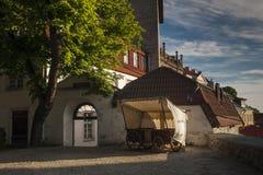 Wagenwinkel op straat in oude stad Tallinn Stock Fotografie