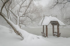 Wagner Cove et belvédère dans la neige, Central Park, NYC photos libres de droits