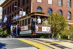 Wagon kolei linowej i Transamerica budynek w San Fransisco Obraz Stock
