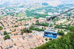 Wagon kolei linowej od wioski forteca San Marino Zdjęcie Royalty Free