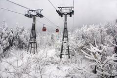 Wagon kolei linowej w śnieżnej scenerii Fotografia Stock