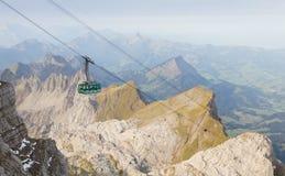 Wagon kolei linowej w Szwajcaria Fotografia Stock