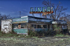Wagon-restaurant abandonné images stock