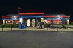 Wagon-restaurant la nuit Photographie stock