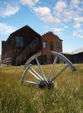 Wagon wheel in rural setting Royalty Free Stock Image